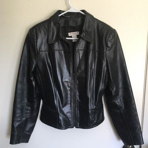 Bebe leather jacket -medium fitted w/shoulder pads